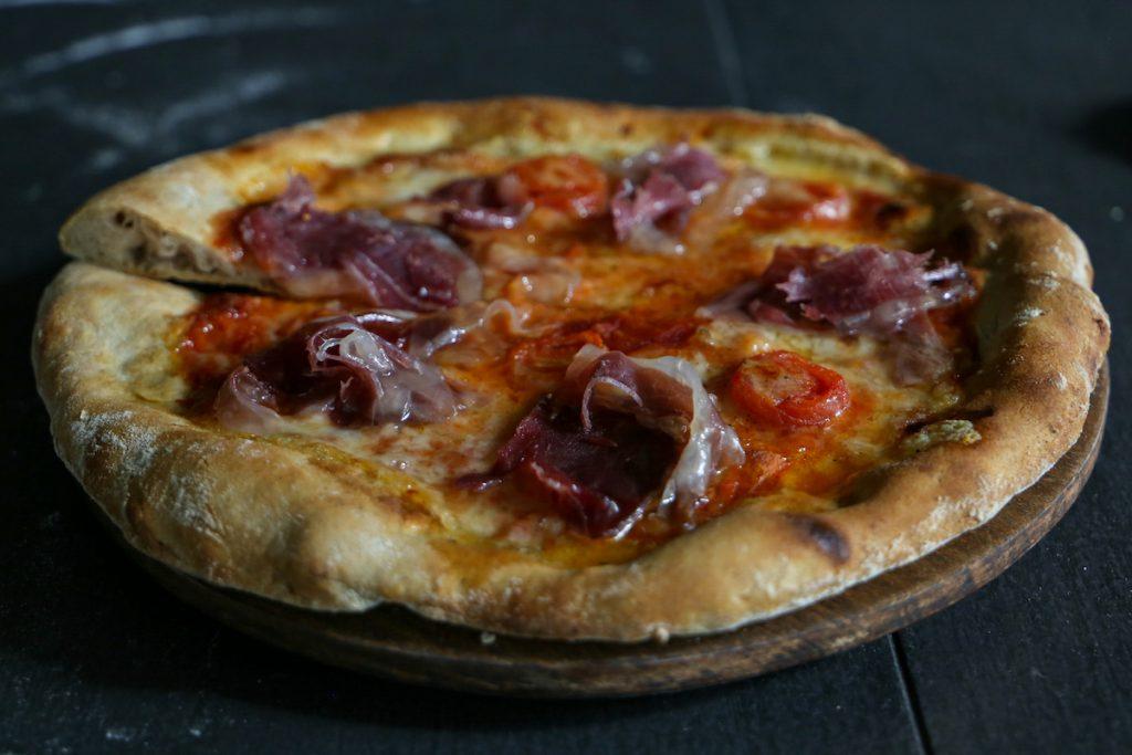 pizza-mangulica